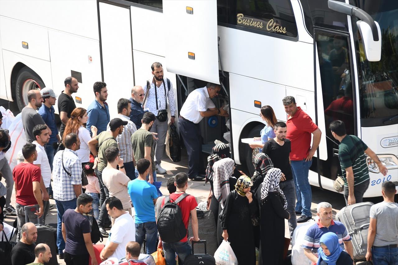 127 Suriyeli daha Esenyurt'tan ülkelerine döndü